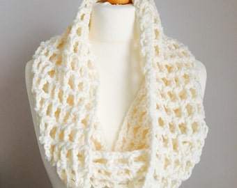 Crochet Cowl, Cream Cowl, Snood, Infinity Scarf, Gift For Her, Cowl, Circle Snood, Chunky Cowl, Lacy Cowl, Fashion Scarf, Neck Warmer