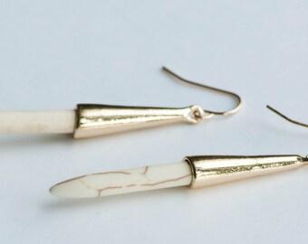 White Howlite Spike Earrings,White Spear Earrings,Long Dangle Earrings, Boho Chic Earrings,Howlite Gemstone,Long Modern Earrings