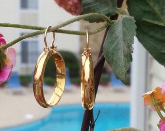 Vintage  Solid 18k Gold Hoop Earrings