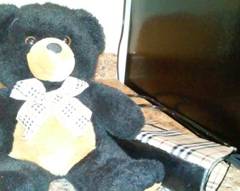 VINTAGE BEAUTIFUL BEAR 16 inches with burberry bow....