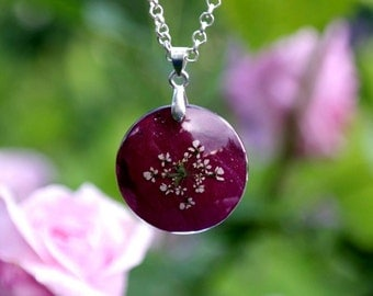 Pendant With Queen Anne's Lace Flower Resin Pendant Necklace Botanical Jewelry Real Flower Necklace nature inspired necklace marsala pendant