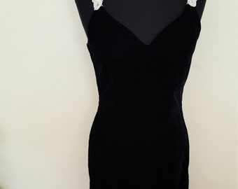 Vintage 80s 90s Little Black Fancy Velvet Dress With Pearl Straps| Sweetheart Top