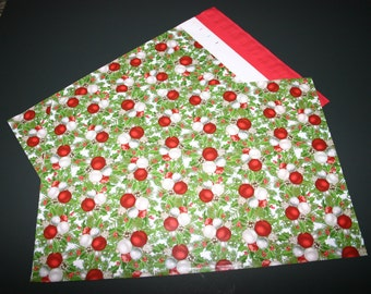 25 Designer Poly Mailers 10x13 Hollyberry Christmas Red Green Envelopes Shipping Bags