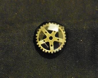 Steampunk Gearwheel in resin pin badge - 0095