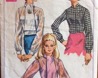 1960s preppy blouse Simplicity 8124 vintage sewing pattern Bust 34 Waist 25.5 Hip 36 Retro 60s Mad Men era