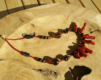 The Crone - Red Tent Necklace rosso red donne women, teschio, skull, bamboo coral, vetro Murano glass, archetipi, archetypes