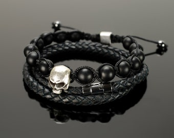 Mens beaded bracelets - Beaded bracelets for men with microcord, 10 mm black onyx beads and big 15 mm skull!