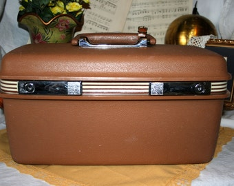 1970s Samsonite Train Case//Samsonite Luggage//Camel Colored Train Case//Vintage Train Case