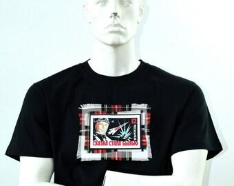Iconic Retro Yuri Gagarin T-shirt - Mens Space T-shirt - Space Race - Handmade in the Scotland