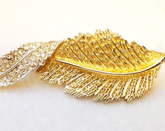Sarah Coventry Leaf Brooch-Vintage FREE SHIPPING