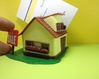Miniature realistiche regali unici di wizzyartcreation su etsy for Scrivania da reception
