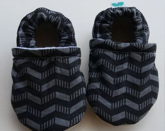 Black, grey, chevron, Moccasins, baby crib shoes, soft sole