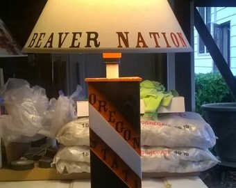 Wooden Oregon state lamp