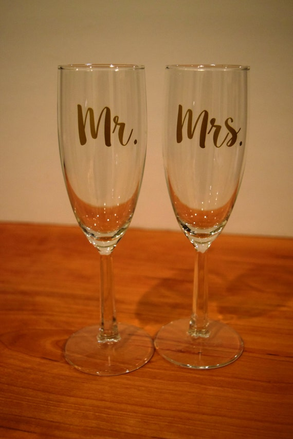Wedding Present Champagne Glasses : Champagne Flutes, Mr And Mrs Champagne Flutes, Wedding Gift, Toasting ...