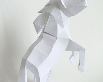 Sculpture in paper Unicorn to mount