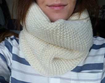 HANDMADE Off-White Chunky Knit 100% Wool Tube Scarf