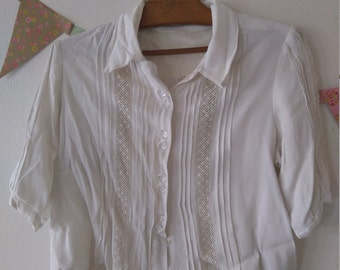 Vintage French libération1940s crepe blouse with lace inserts, size small
