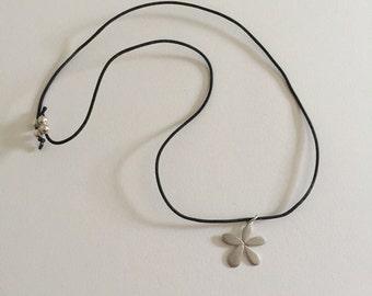 Vintage 925 Sterling Silver Flower Necklace