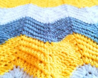 BABY BLANKET,chevron three colors, crochet blanket, baby blankets, white grey and yellow blanket, hypoallergenica blanket, baby kart, cradle