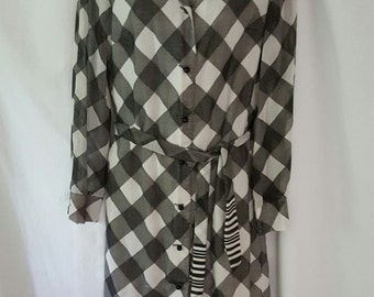 1970s/80s Vintage Dress // Black and White Medium Shirt Dress