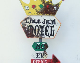 Retro Motel Sign, Crown Jewel Retro hand painted mini sign. Vintage sign. Distressed sign. Tabletop Wood sign rustic, handpainted.
