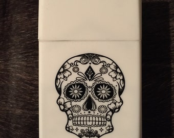 Cigarette case / cigarette box