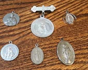 Lot of 6 religious medals, St. Anne, Virgin Mary, Sacred Heart