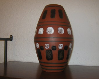 Hand-painted vase of Limburg Cathedral ceramic - handpainted vase of Limburg Cathedral ceramics