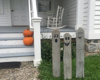 3 halloween ghosts reclaimed rustic pallet wooden ghosts halloween decor - Halloween Home Decorations