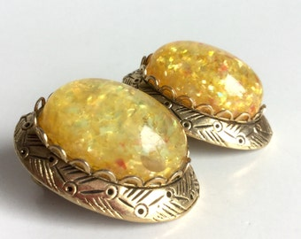Yellow Glitter Earrings in Antique Gold Metal Ovals - Large Dome Cabochons with Sparkly Confetti and Flecks of Red - Vintage 50s Clip Ons