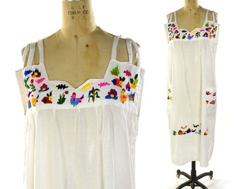 Embroidered Boho Sundress / Vintage 1970s White Cotton Bohemian Hippie Peasant Folk Dress / Chicken & Flowers Embroidery