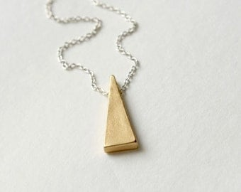 Minimal Brass Necklace, Modern Brass Triangle Necklace, Modern Jewelry, Mixed Metal Jewellery, Geometric Jewelry, Minimal Jewellery