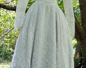 Fifties  wedding dress ivory lace  tea length vintage  crinoline  romantic  small  from vintage opulence on Etsy