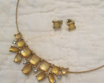 Vintage Wire and Citrine Stone Necklace - Costume Jewelry