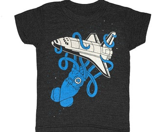 KIDS Squid vs Space Shuttle - T-shirt  Retro Vintage 2001 Science SciFi Geek Kraken Spaceship UFO Monster Kraken Awesome Triblend Tshirt