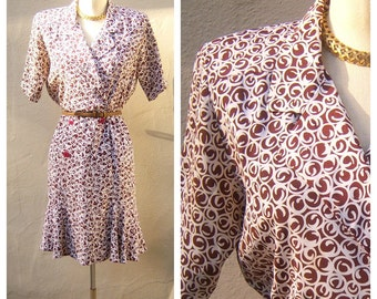 80s day dress / Liz Claiborne secretary dress / brown white swirl print / double breasted cut, shoulder pads, petite 6 xs small, bust 38