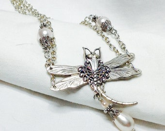 oO LEYLA Oo silver dragonfly white pearl necklace