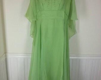 Vtg mint green chiffon formal dress with rhinestone embellished bodice size medium bust 40