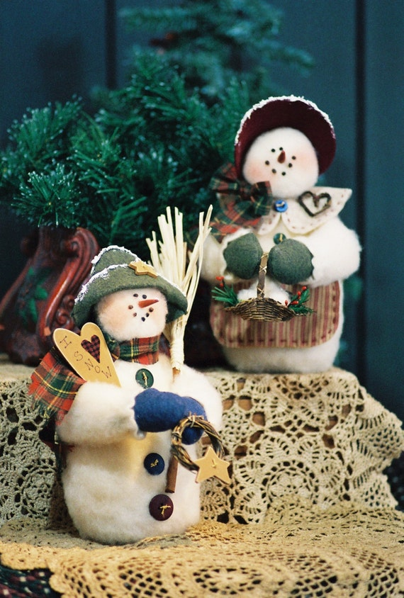 Mailed Cloth Doll Pattern 10in Holiday Season Snowman Couple