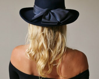 1990s Navy Bowler Hat >>> Plaza Suite