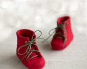 Baby's first shoes Newborn booties Deep red lace up boots Natural wool shoes Felted unisex eco friendly woolen felted booties Red shoes