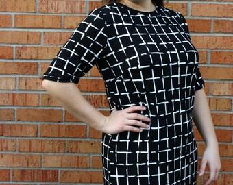 Tee Shirt Dress. Black T-Shirt Staple Dress. Soft Jersey Knit Stretch Simple Short Sleeve Dress. LBD. Comfortable Dress in Black, Mod Retro