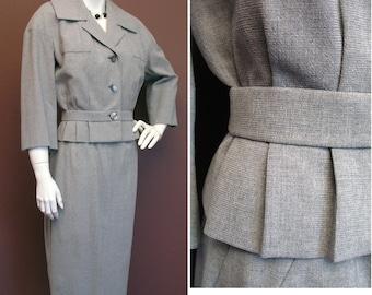 Late 1950s Stylish Vintage Grey Summer Suit SZ S