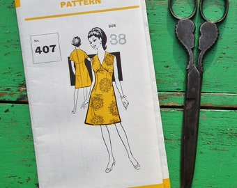 "Vintage Sewing Pattern 60s 70s Women's Dress - Sunday People Pattern No. 407 UK - 38"" Bust - UK Size 14 - US Size 10 - 12 factory folded"