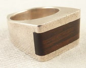 Size 4.75 Vintage Modernist Israel Sterling and Wood Inlay Ring