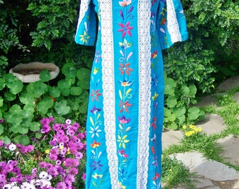70s Mexican Dress, embroidered dress, Turquoise Mexican dress, Turquoise Caftan, Blue Caftan, Cinco de mayo, size M / L