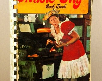 Grand Ole Opera Minnie Pearl's Music City Cookbook 1970s Nashville Darling Shares Southern Recipes