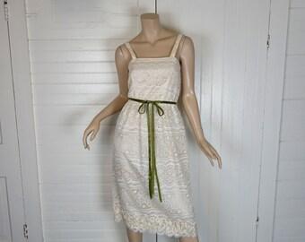 Boho Wedding Dress- 1970s Simple Lace Shift in Ivory- 70s Disco Shift Dress- Small / Medium- Hippie / Festival Sundress / Wiggle Dress
