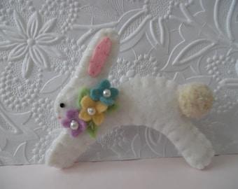 Felted Brooch Easter Bunny Felt Baby Shower Gift Mom Flowers Pin Beaded