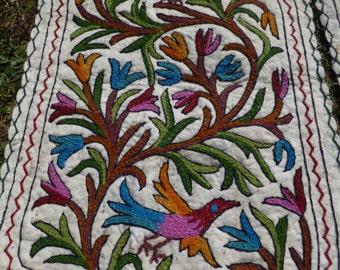 2 Small Pretty Felt Rug Wool Kashmiri Hand Embroidered felted Mats Tapis Namda Kilim Tapis